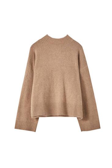 Pullover mit seitlichen Schlitzen und geripptem Stehkragen