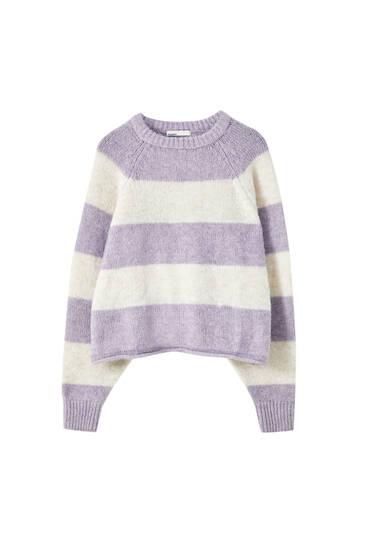 Lilafarbener Cropped-Pullover mit Raglanärmeln