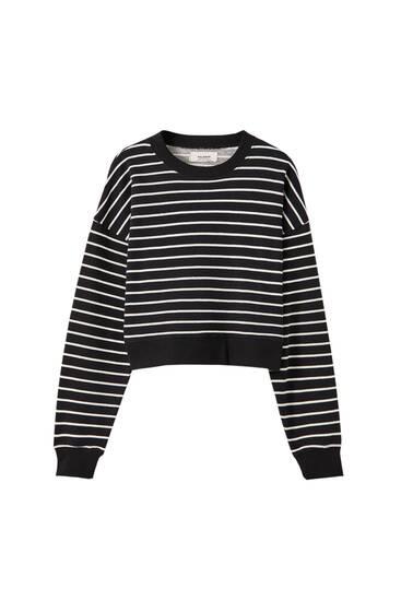 Schwarzer Basic-Pullover mit Streifen