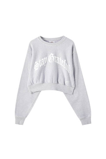 "Grå ""Stay Grateful""-sweatshirt"
