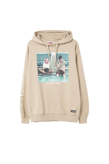 Sudadera Sex Education x Pull&Bear Maeve & Otis