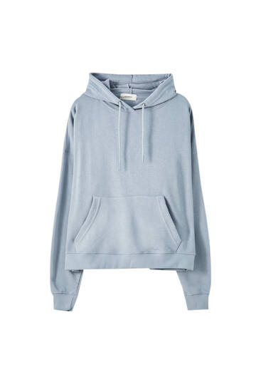 Hoodie with pouch pocket