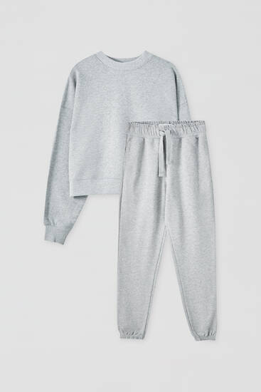 Pack of sweatshirt and jogging trousers