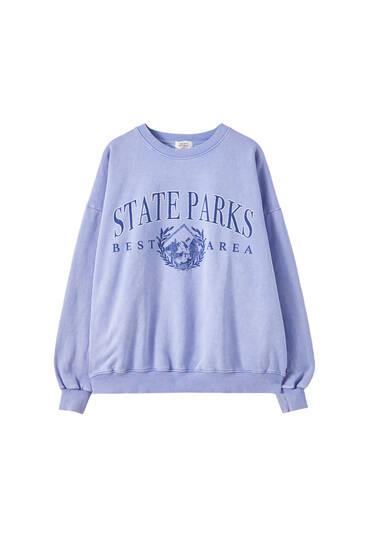"""Sweatshirt in verwaschenem Blau """"State Parks"""""""