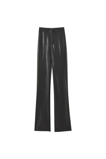 Sorte bukser med svaj og læderlook