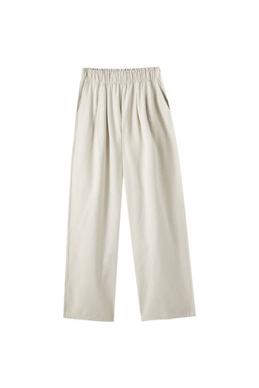 Loose-fitting wide-leg trousers