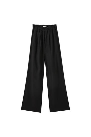 Flowing paperbag trousers