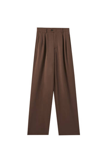 Flowing brown trousers