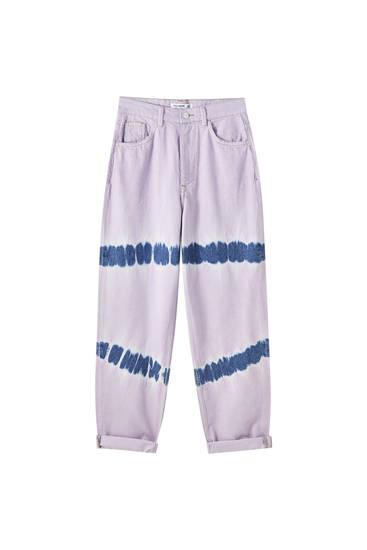 Lila jeans med knytbatik