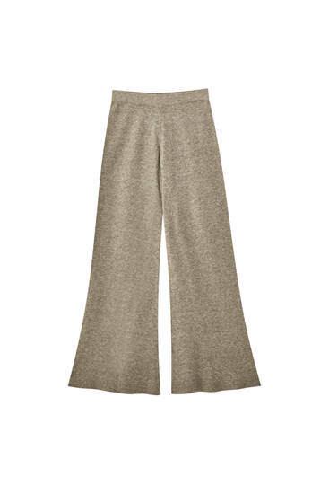 Loose-fitting knit trousers