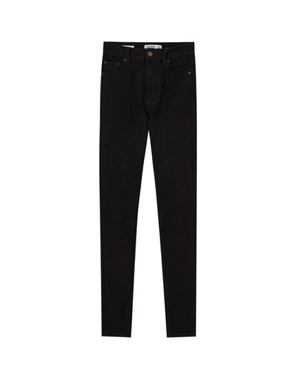 Jeans skinny básicos tiro alto