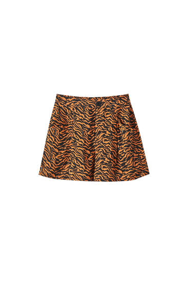 Shorts estampado tigre