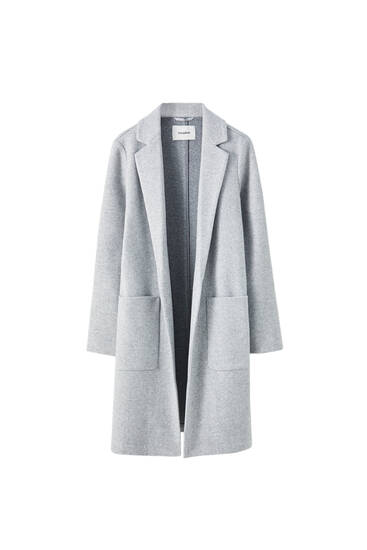 Lightweight coat with patch pockets