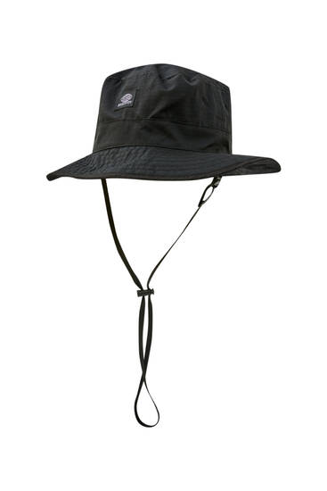Bucket hat with logo and strap