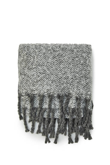 Basic flecked scarf