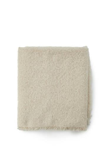 Basic bouclé scarf