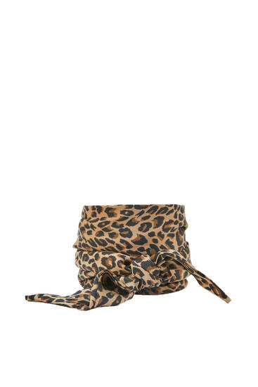 Satin-finish leopard print scarf