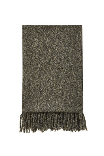 Scarf with fringed trims