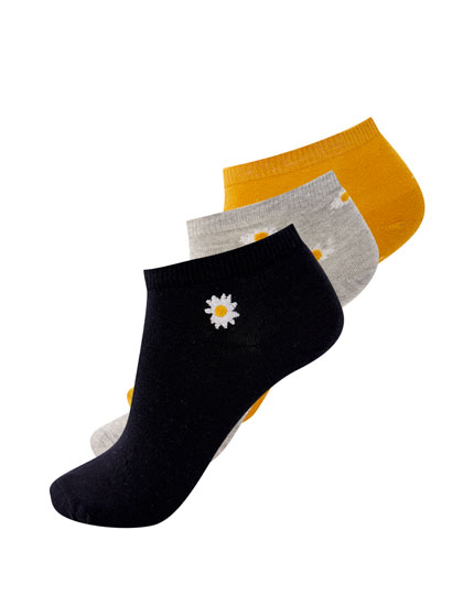 3-pack of daisy print socks