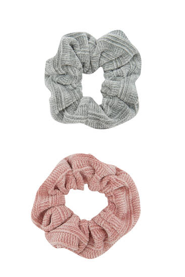 Pack of chenille scrunchies