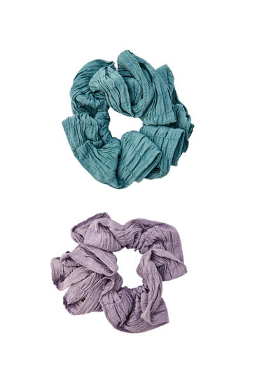 2-pack of pleated scrunchies