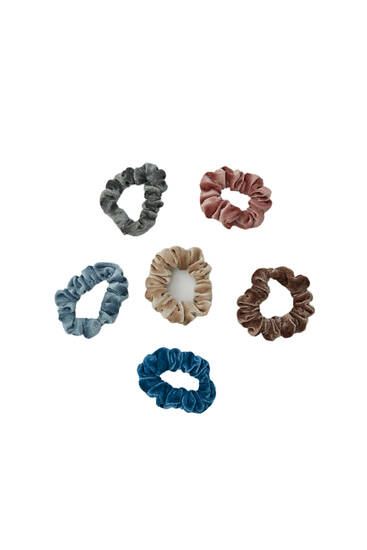 Pack of mini velvet scrunchies