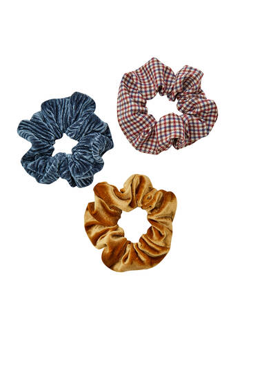 Pack of 3 velvet check scrunchies