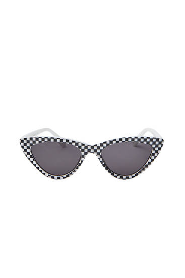 Sunglasses with check print