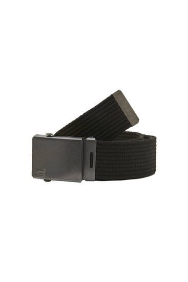 Fabric belt with a metallic buckle