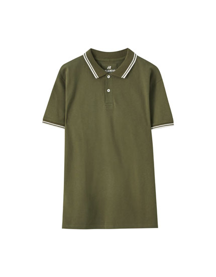 Polo shirt with contrast collar and sleeves