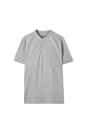 Short sleeve polo shirt with a stand-up collar