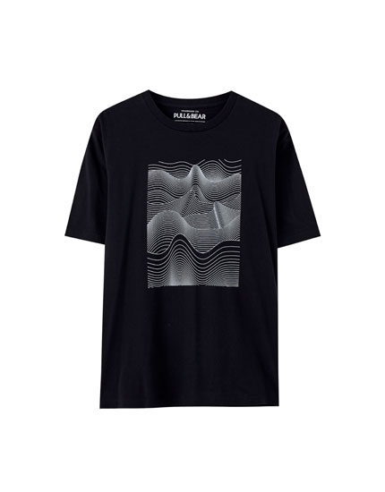 T-shirt with wave illustration