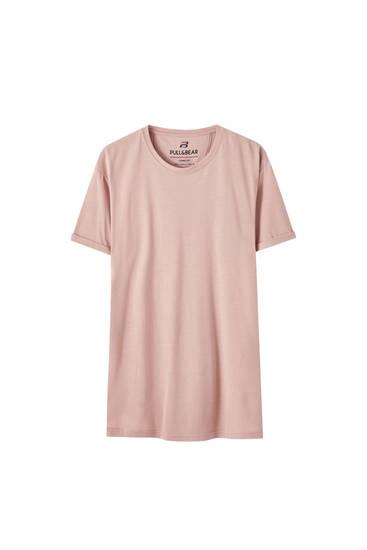 Camiseta long fit básica