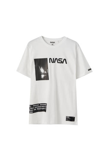 Vit t-shirt NASA-illustration