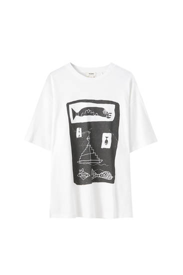 White T-shirt with fish illustration