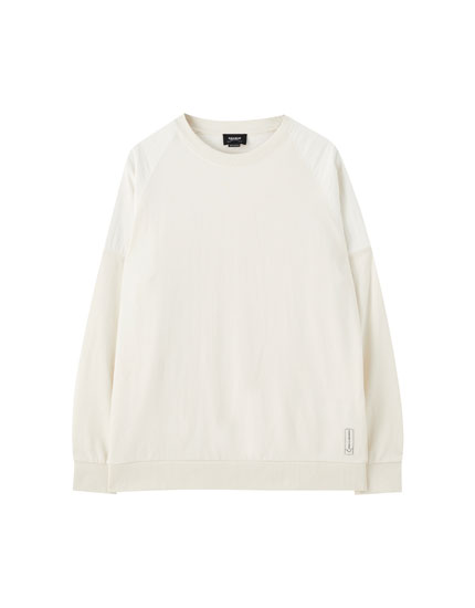 Oversized sweatshirt in contrasting fabric