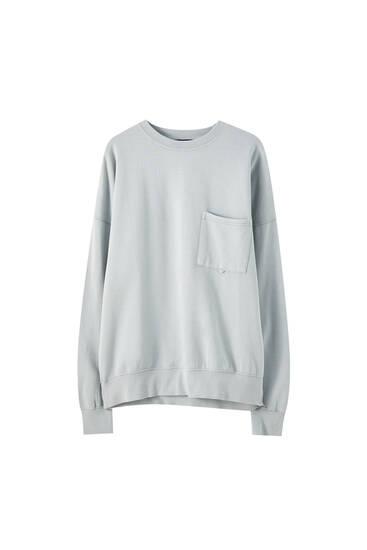 Oversize garment-dyed sweatshirt