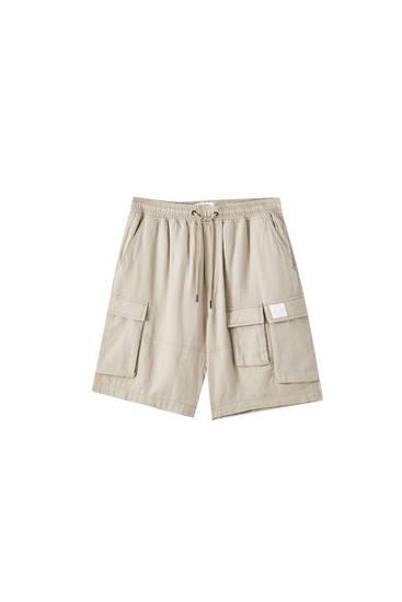 Linen cargo-style Bermuda shorts