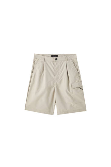 Cargo Bermuda shorts with side pockets