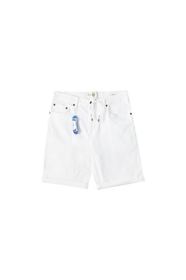 White skinny fit Bermuda shorts