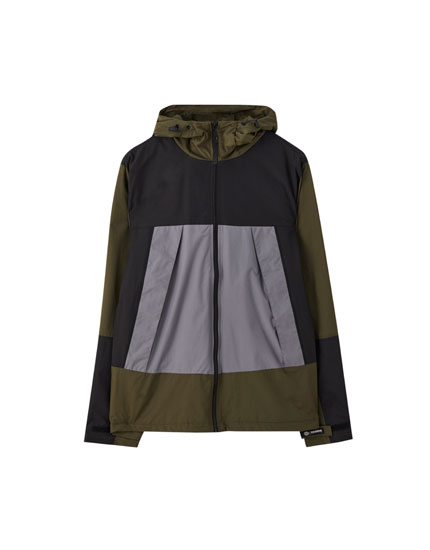 Basic raincoat in ripstop fabric