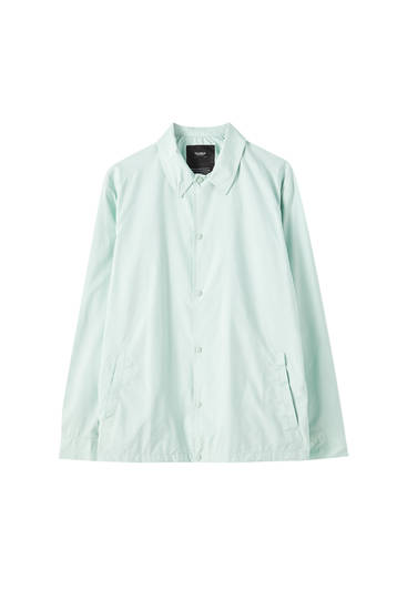 Lightweight jacket with snap buttons