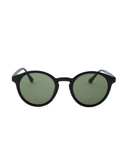 Στρογγυλά γυαλιά ηλίου σε μαύρο χρώμα