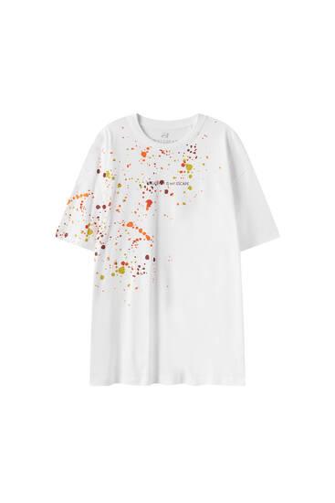 Camiseta blanca pintura texto
