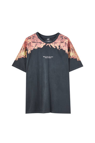 Oversize T-shirt with fire print on shoulders