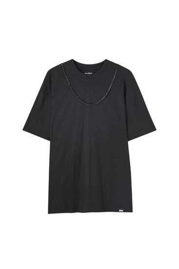 Oversize T-shirt with chain
