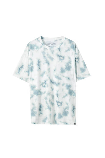 T-shirt with green tie-dye