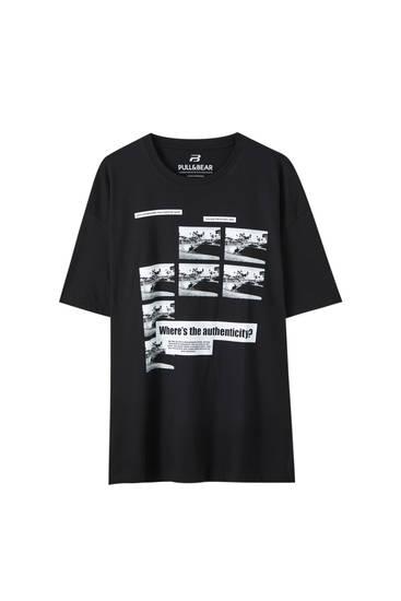 Camiseta negra estampado contraste