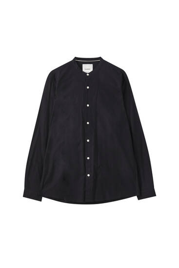 Relaxed fit shirt with stand-up collar