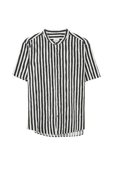 Stripe print shirt with stand-up collar